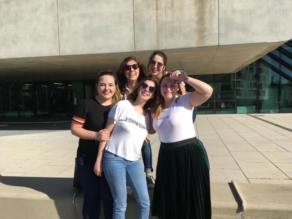 [L'équipe Montpelivres, de gauche à droite : Mélina Albin, Léna Valibouze, Karine Boyer, Anaïs Guichard et Anne-Laure Giret]